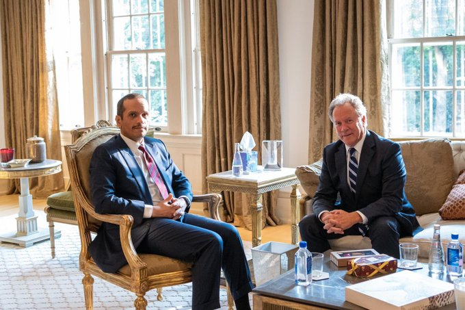 نائب رئيس مجلس الوزراء وزير الخارجية يلتقي المدير التنفيذي لبرنامج الأغذية العالمي